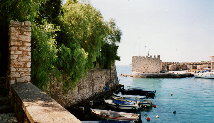Walls and towers protecting the harbour