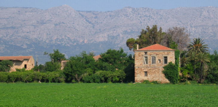The countryside at Kampos